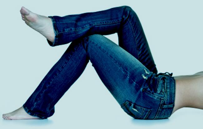 ¿Cuáles son los colores y estilos de jeans que no deben faltarnos? 1