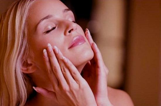 Ejercicios faciales que ayudan a evitar la flacidez en el rostro 1
