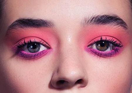 Estilos de maquillaje utilizando el tono rosa 1