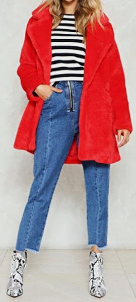 Maneras de combinar abrigos de color rojo 6
