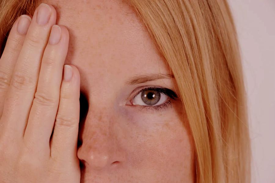 ¿Por qué es importante aplicar un producto para el contorno de ojos? 1