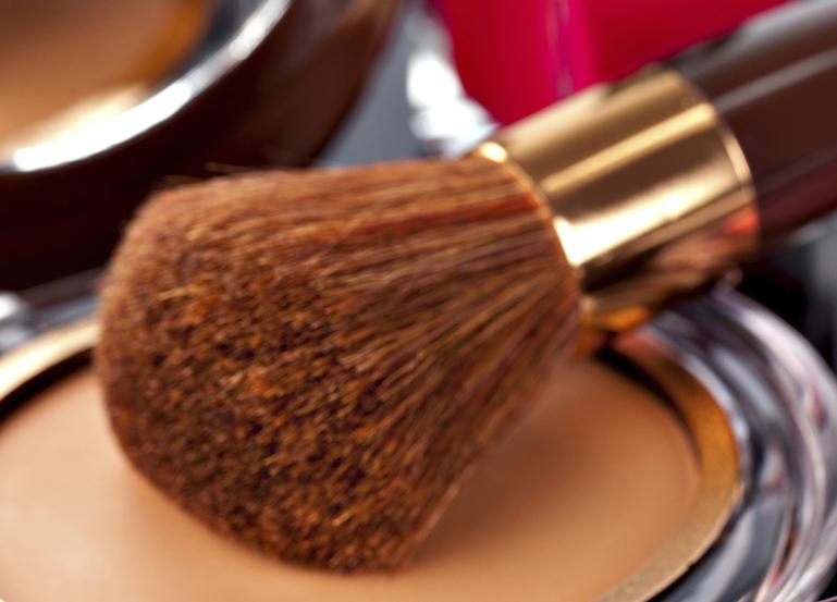 La importancia de los polvos de maquillaje para la apariencia de la piel 3