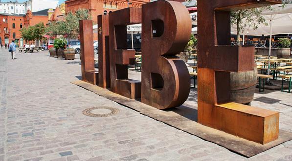 A pie o en bicicleta: dos buenas maneras para conocer BERLIN 13