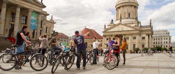 A pie o en bicicleta: dos buenas maneras para conocer BERLIN 18