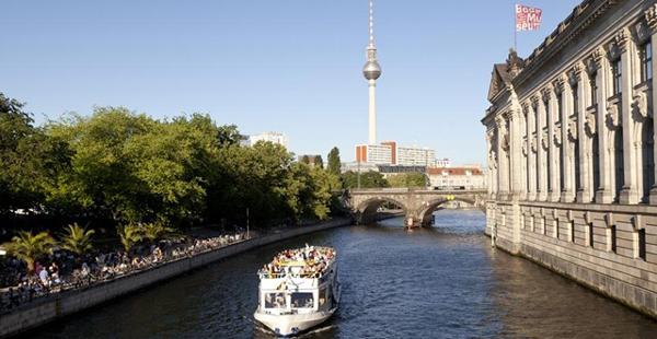 A pie o en bicicleta: dos buenas maneras para conocer BERLIN 15