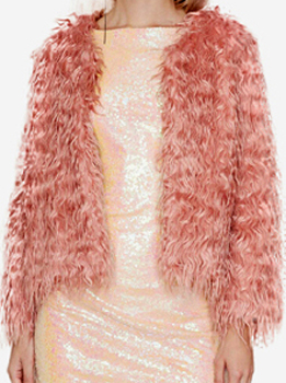 cómo se combinan los abrigos de pieles ecológicas (2)