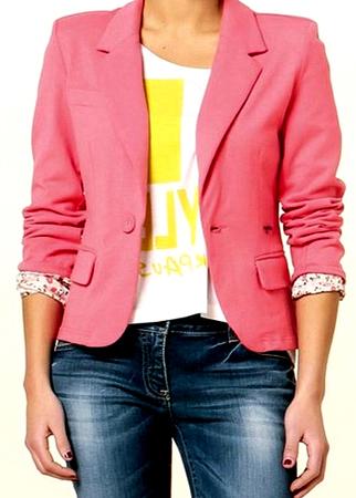 como combinar prendas en color rosa