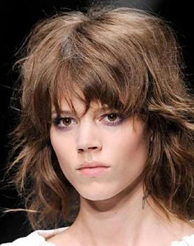 corte-pelo-estilo-shag-vuelta-un-clasico-L-1j0OaC