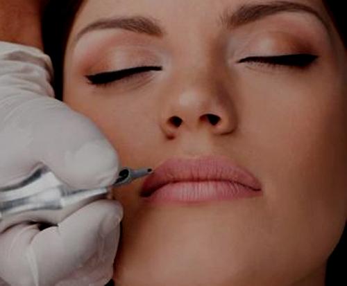 ¿Es dolorosa la micropigmentación de labios? 1