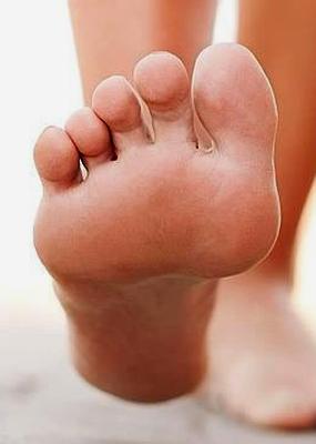 evitar y aliviar dolores en los pies