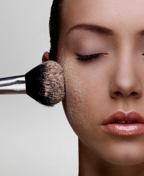 La importancia de los polvos de maquillaje para la apariencia de la piel 1