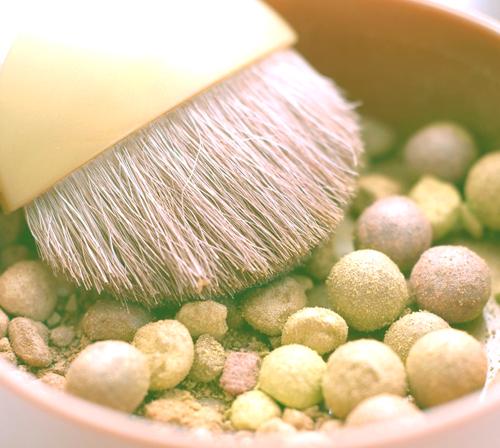 La importancia de los polvos de maquillaje para la apariencia de la piel 4