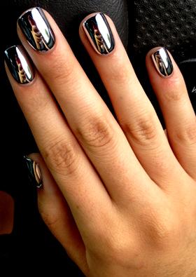 Todo lo que hay que saber sobre las uñas esculpidas 5