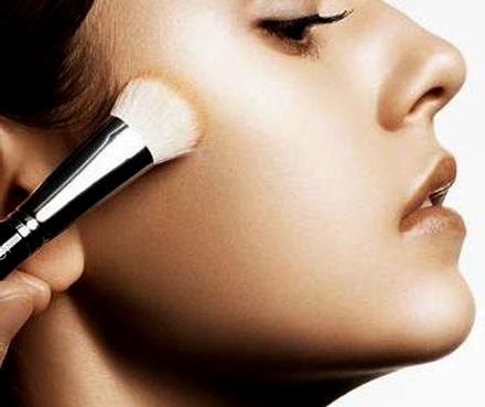maneras de colocar bases de maquillaje_2