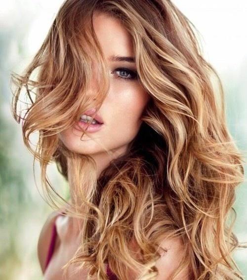 Peinados Pelo Rizado Tendencias De Moda Y Temporada